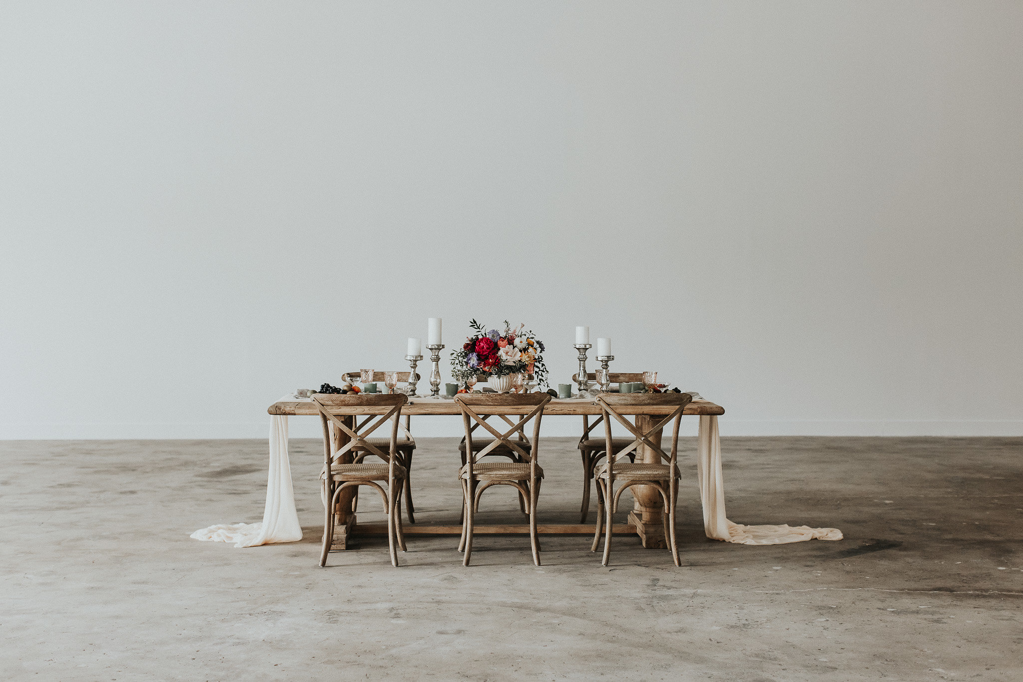 The Garage Burbank Luxury Wedding Tablescape